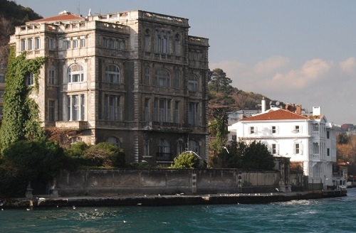 The Waterfront Mansion - Turkeytravelcentre